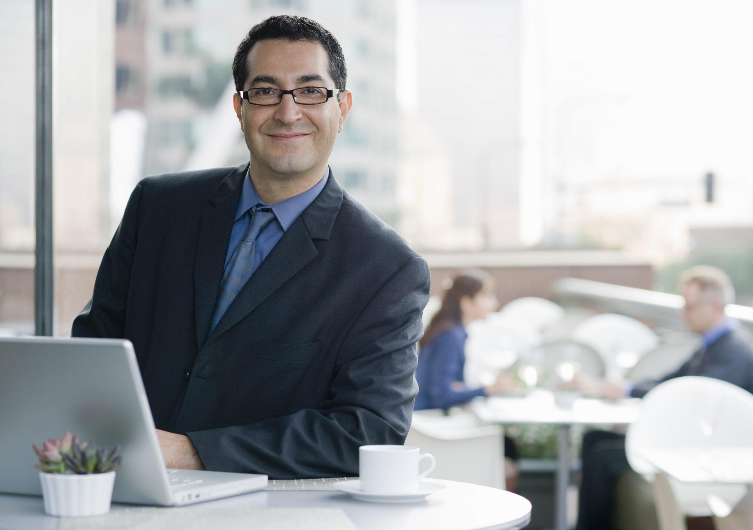 accountants cheaphotelsinbath scaled - E-mail empresarial