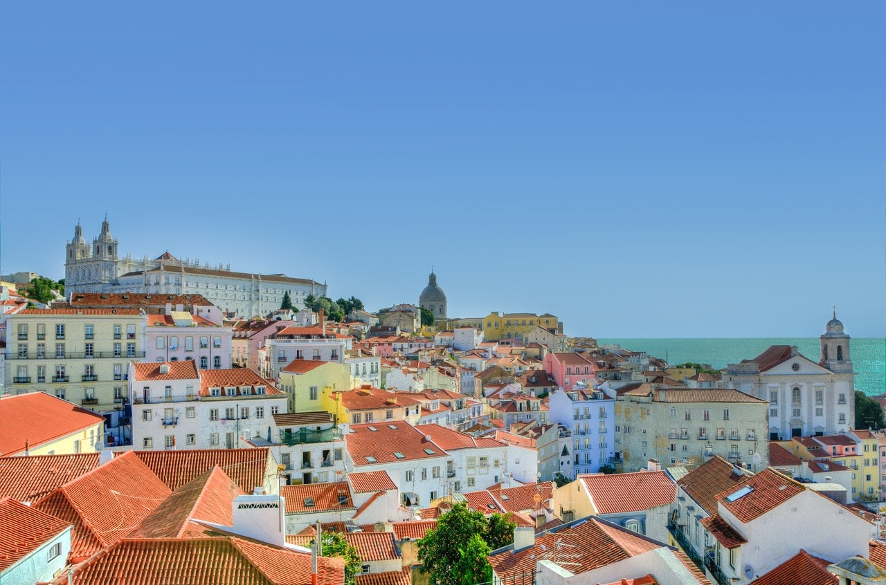 city-lisbon-houses-portugal-9253